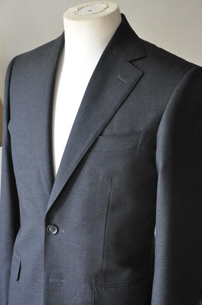 DSC0173-3 お客様のスーツの紹介- 無地チャコールグレースーツ-