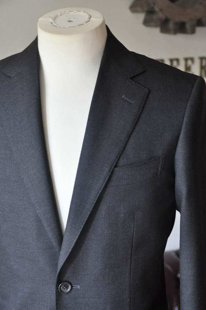 DSC0174-4 お客様のスーツの紹介- 無地チャコールグレースーツ-
