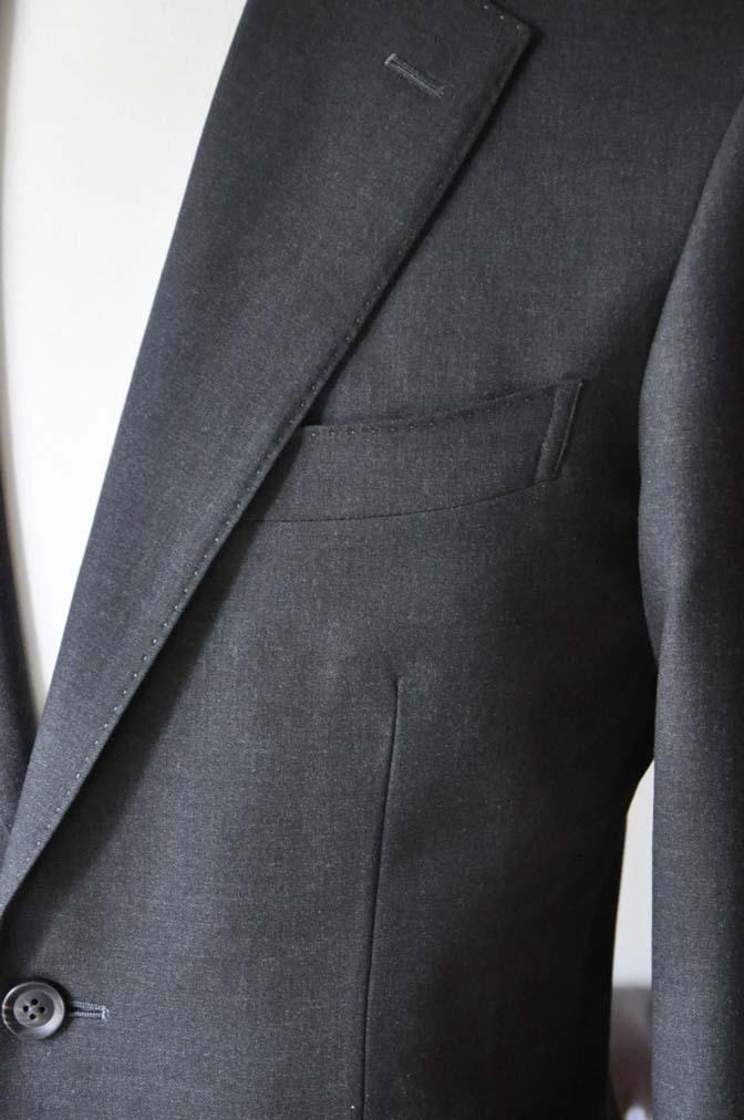 DSC0175-3 お客様のスーツの紹介- 無地チャコールグレースーツ-