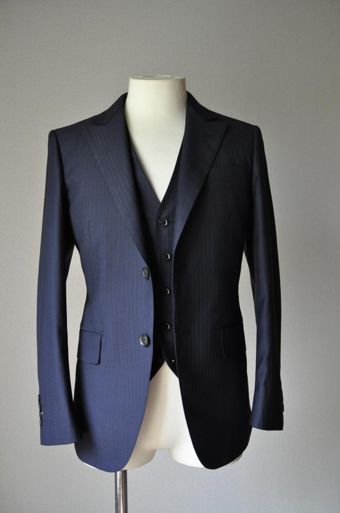DSC01752 お客様のスーツの紹介-BIELLESI ネイビーストライプスリーピース-