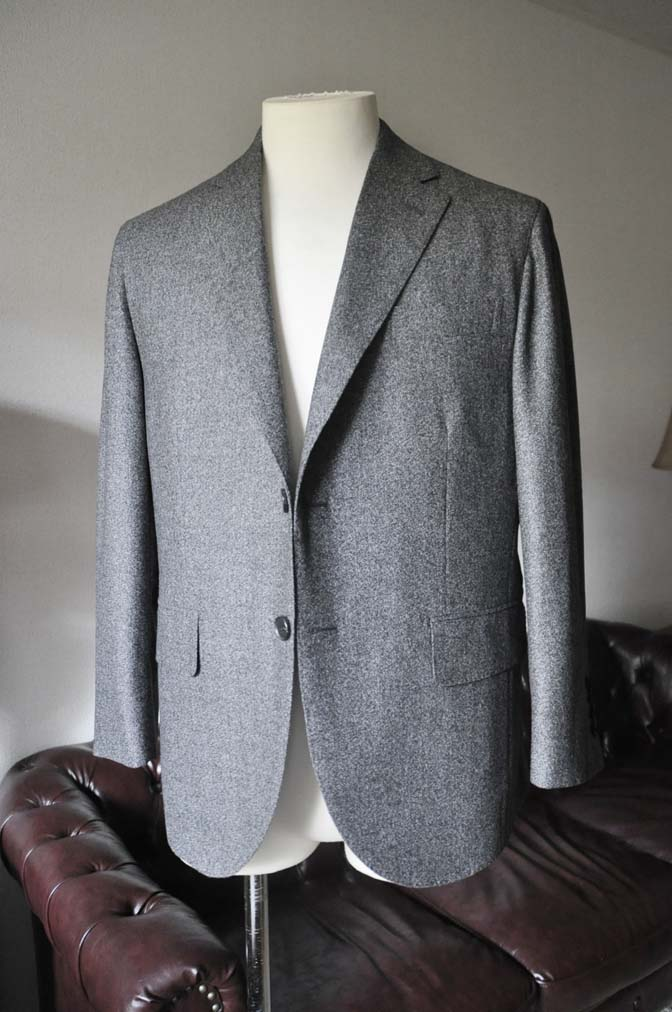 DSC0176-2 お客様のジャケットの紹介- Loro Piana Dream Tweed グレージャケット-