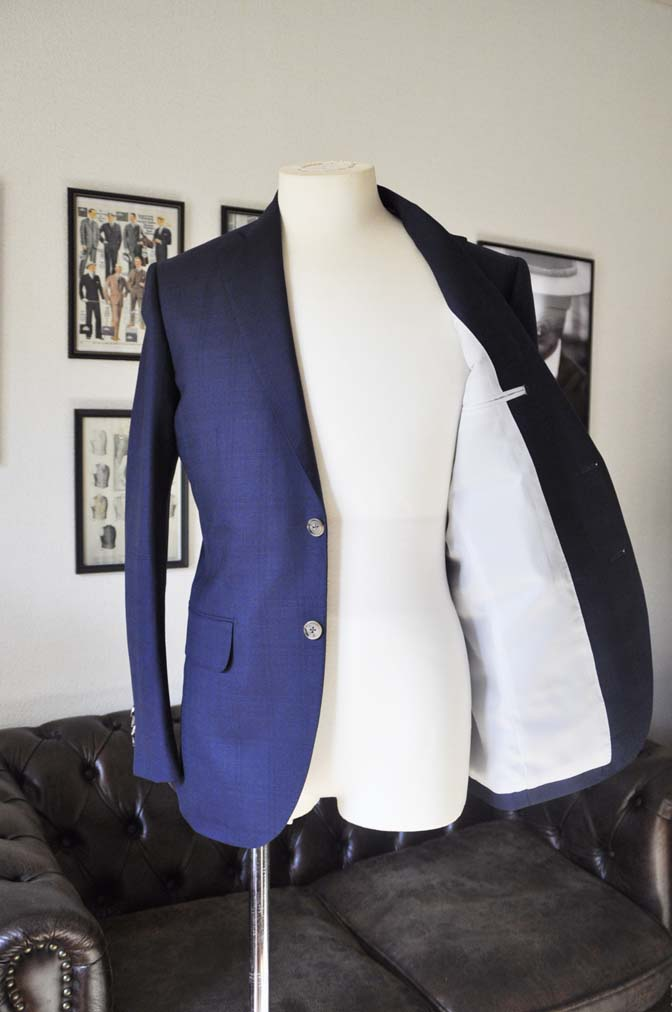 DSC01773 お客様のスーツの紹介- ネイビーチェックスーツ- 名古屋の完全予約制オーダースーツ専門店DEFFERT