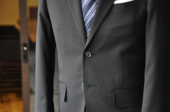 DSC0178-3 オーダースーツの紹介-ブラックスーツ-
