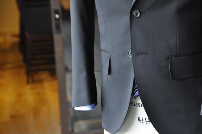 DSC0179-2 オーダースーツの紹介-ブラックスーツ-