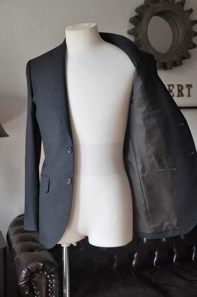 DSC0181-2 お客様のスーツの紹介- 御幸毛織 チャコールグレーヘリンボーンスーツ-