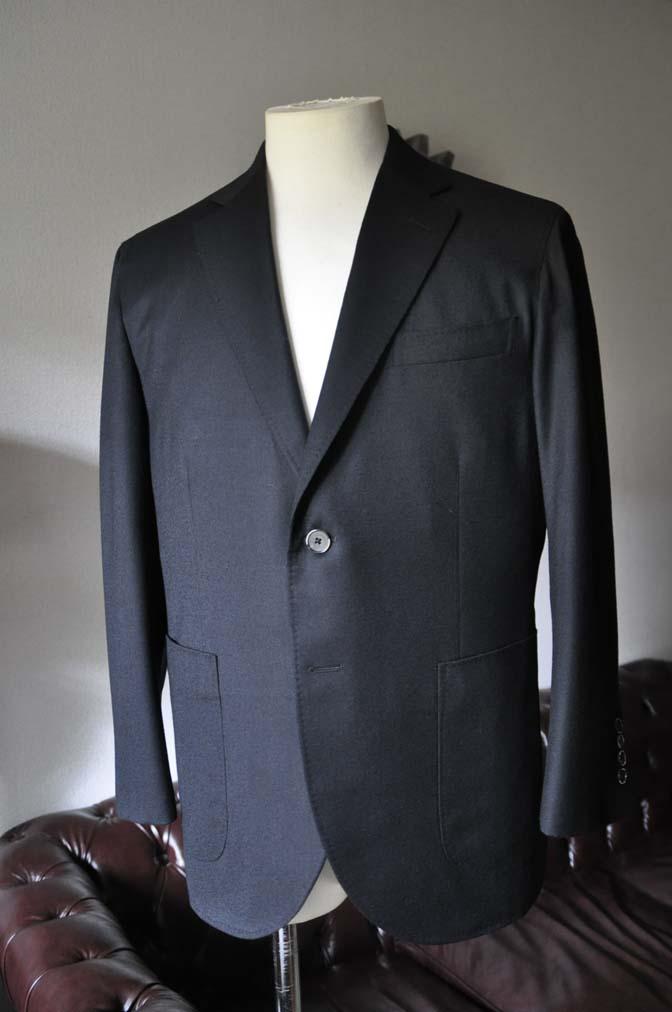 DSC0182-3 お客様のスーツの紹介- Biellesi 無地ブラックフランネルスーツ- 名古屋の完全予約制オーダースーツ専門店DEFFERT