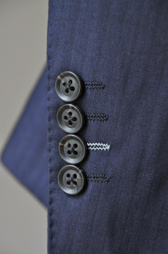 DSC01841 お客様のスーツの紹介-BIELLESI ネイビーストライプスリーピース-