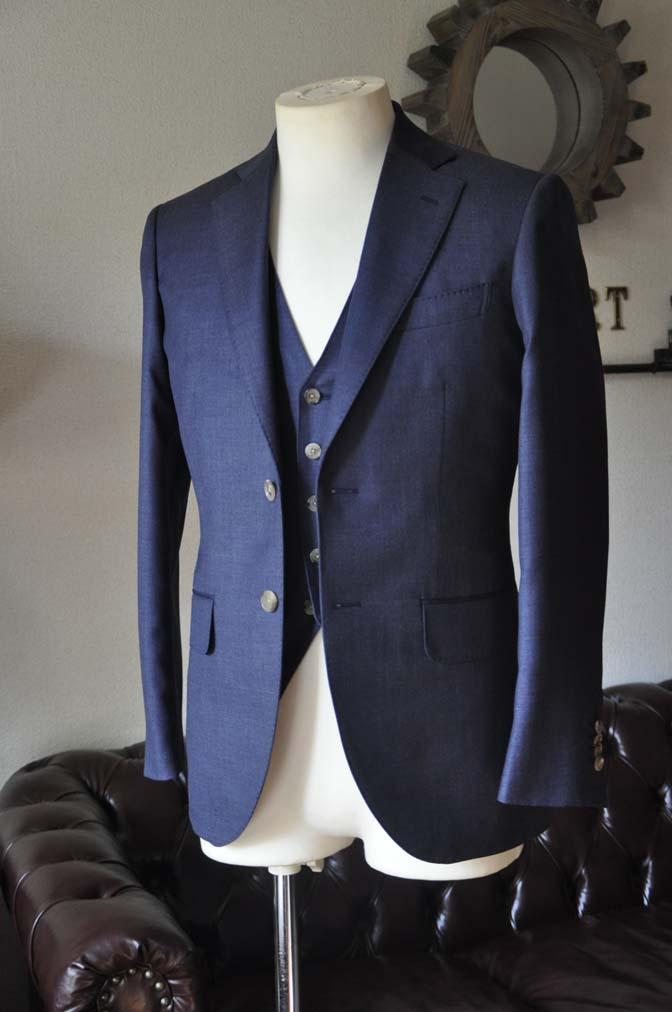 DSC0186-2 お客様のスーツの紹介- 御幸毛織 無地ネイビースリーピース-