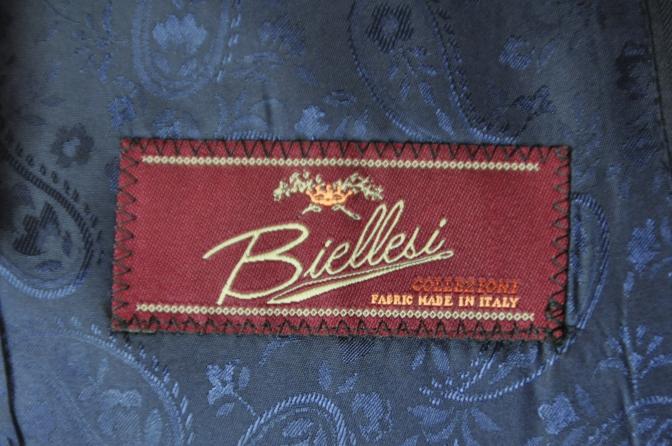 DSC01861 お客様のスーツの紹介-BIELLESI ネイビーストライプスリーピース-