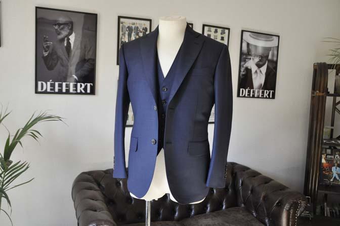 DSC0187-1 お客様のスーツの紹介- Canonico 無地ネイビースリーピース- 名古屋の完全予約制オーダースーツ専門店DEFFERT