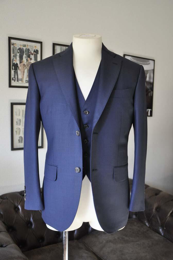 DSC0188-1 お客様のスーツの紹介- Canonico 無地ネイビースリーピース- 名古屋の完全予約制オーダースーツ専門店DEFFERT