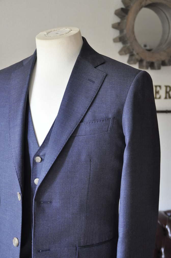 DSC0188-3 お客様のスーツの紹介- 御幸毛織 無地ネイビースリーピース-