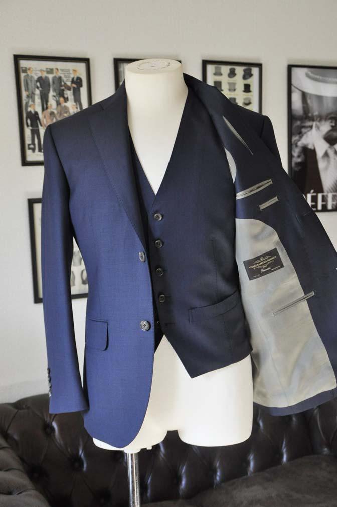 DSC0189-1 お客様のスーツの紹介- Canonico 無地ネイビースリーピース- 名古屋の完全予約制オーダースーツ専門店DEFFERT