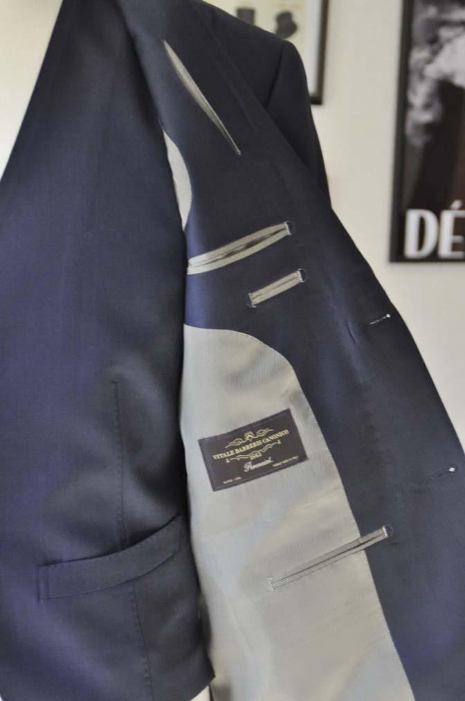 DSC0190-1 お客様のスーツの紹介- Canonico 無地ネイビースリーピース- 名古屋の完全予約制オーダースーツ専門店DEFFERT
