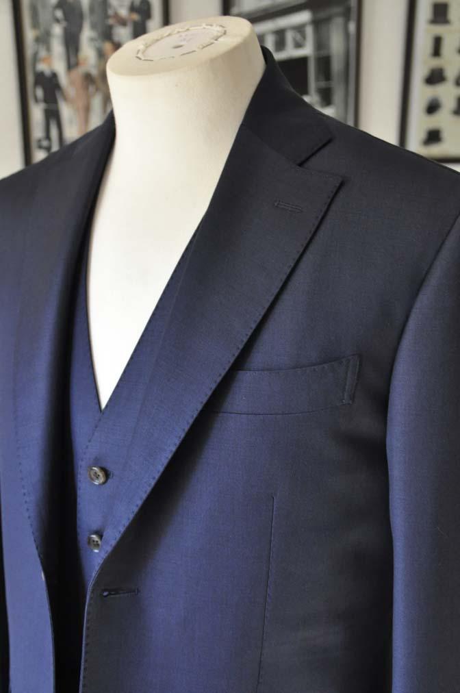 DSC0193-1 お客様のスーツの紹介- Canonico 無地ネイビースリーピース- 名古屋の完全予約制オーダースーツ専門店DEFFERT