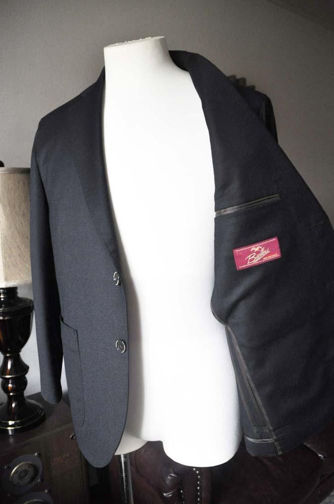 DSC0194-4 お客様のスーツの紹介- Biellesi 無地ブラックフランネルスーツ- 名古屋の完全予約制オーダースーツ専門店DEFFERT