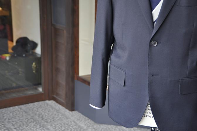 DSC0194-7 オーダースーツの紹介-無地ネイビースーツ-