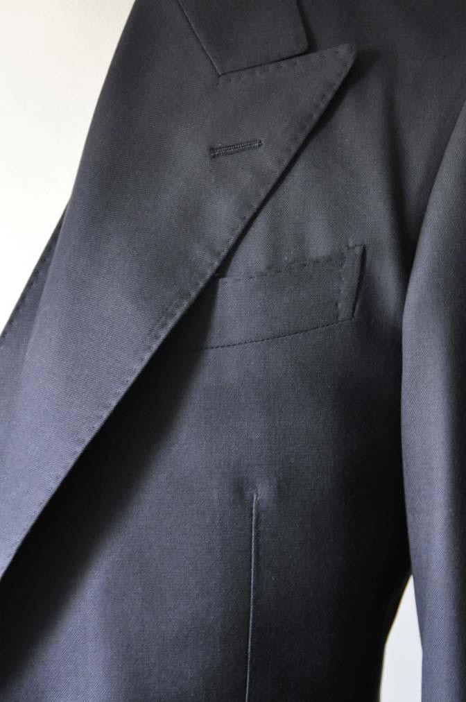 DSC0196-2 スーツの紹介- CAVENDISH 無地ネイビー スリーピース-