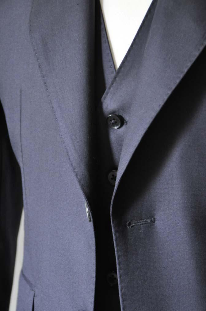 DSC0197-1 スーツの紹介- CAVENDISH 無地ネイビー スリーピース-