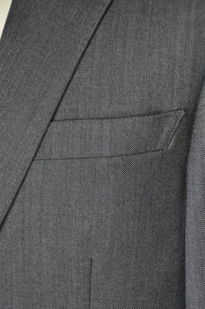 DSC01972 お客様のスーツの紹介-御幸毛織 Box Collection グレーバーズアイ-