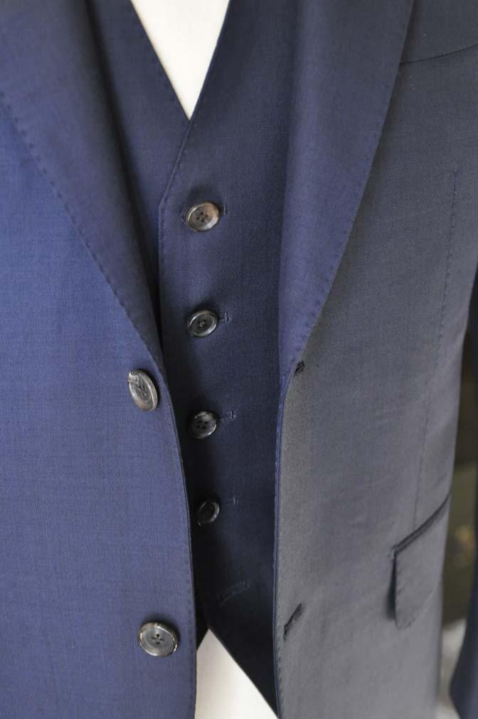 DSC0198-1 お客様のスーツの紹介- Canonico 無地ネイビースリーピース- 名古屋の完全予約制オーダースーツ専門店DEFFERT