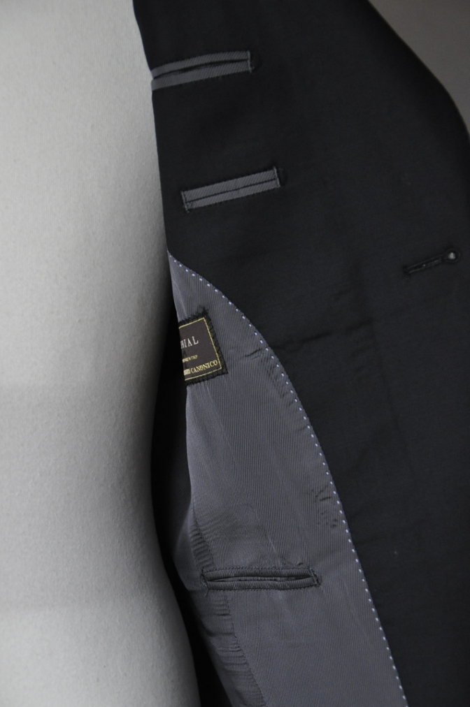 DSC01981 お客様のスーツの紹介-CANONICO ブラックスーツ-
