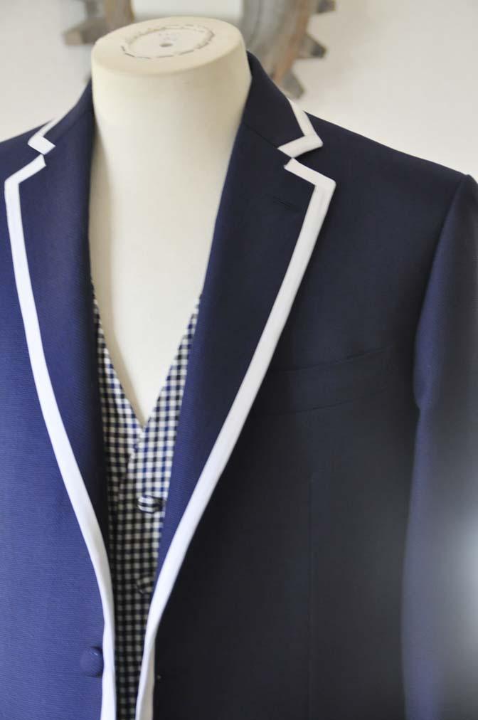 DSC0199-1 お客様のウエディング衣装の紹介- ネイビーパイピングジャケット、ギンガムチェックベスト- 名古屋の完全予約制オーダースーツ専門店DEFFERT