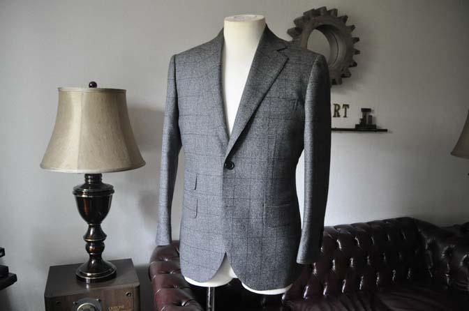 DSC0199-3 お客様のスーツの紹介- Loro Piana Dream Tweed グレーウィンドペン- 名古屋の完全予約制オーダースーツ専門店DEFFERT