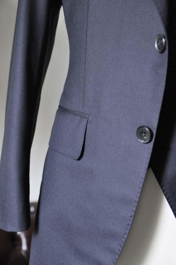 DSC0199-4 スーツの紹介- CAVENDISH 無地ネイビー スリーピース-