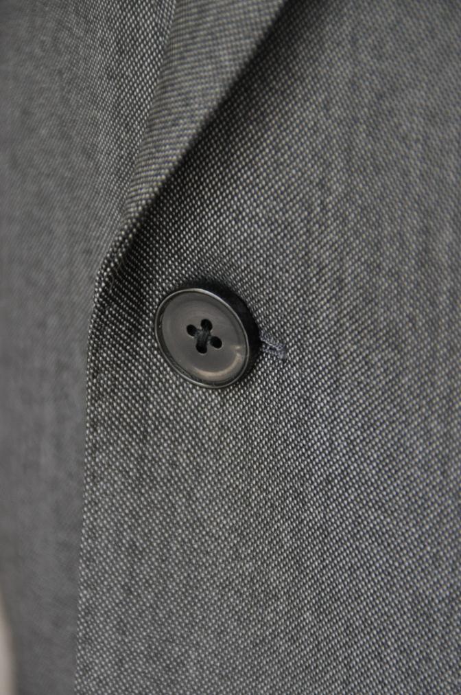 DSC01992 お客様のスーツの紹介-御幸毛織 Box Collection グレーバーズアイ-