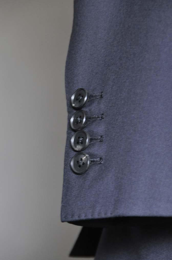 DSC0200-1 スーツの紹介- CAVENDISH 無地ネイビー スリーピース-