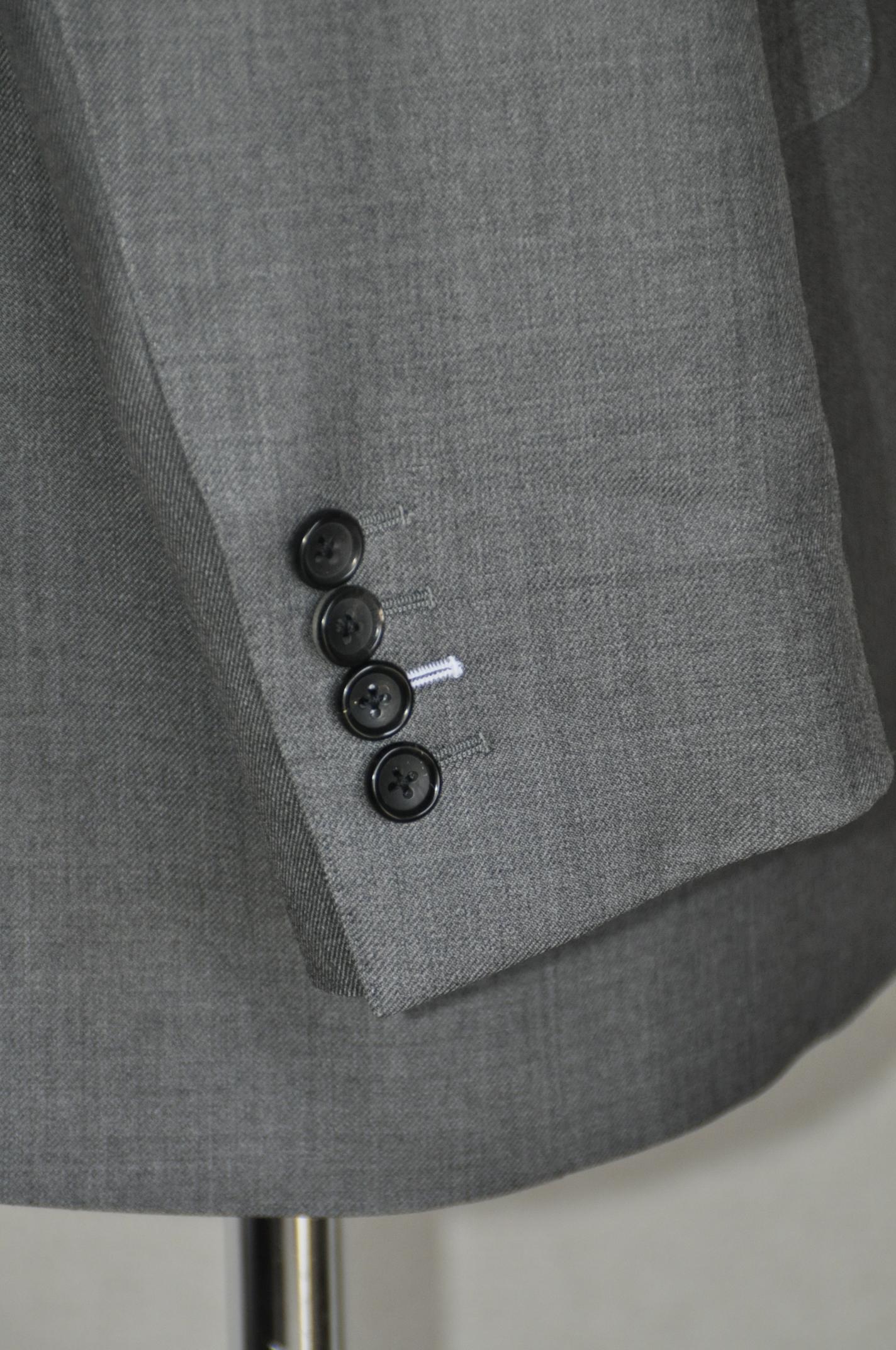 DSC02001 ボタンホール糸色変更 名古屋の完全予約制オーダースーツ専門店DEFFERT
