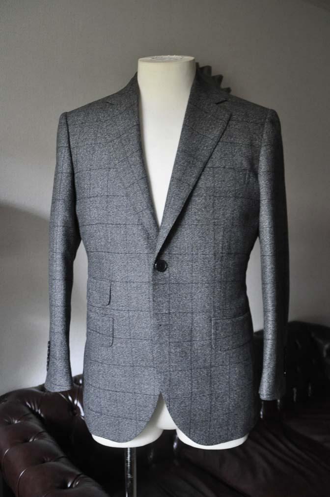 DSC0201-2 お客様のスーツの紹介- Loro Piana Dream Tweed グレーウィンドペン- 名古屋の完全予約制オーダースーツ専門店DEFFERT