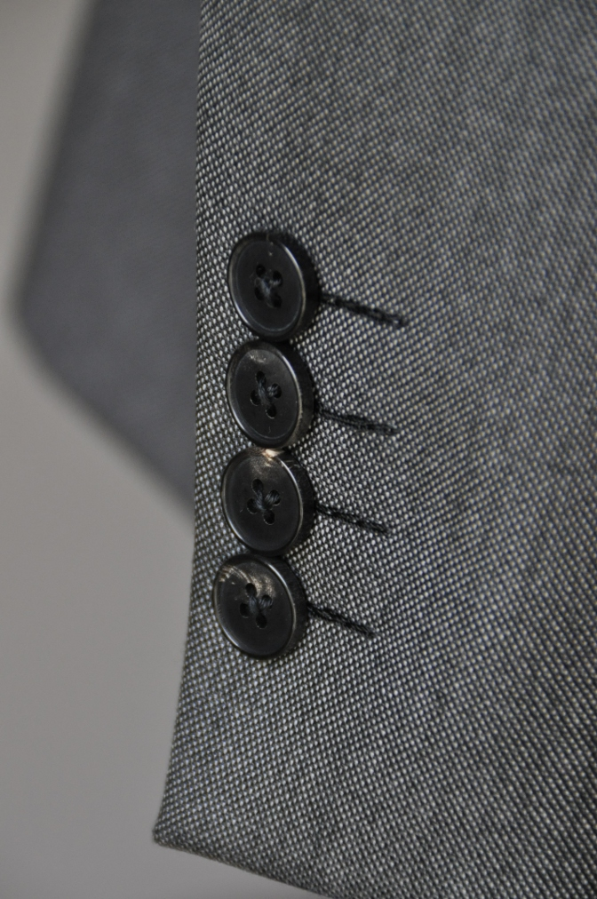 DSC02012 お客様のスーツの紹介-御幸毛織 Box Collection グレーバーズアイ-