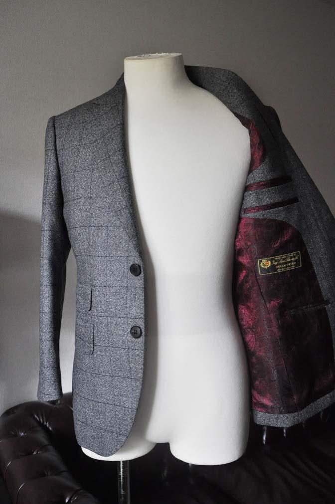 DSC0202-3 お客様のスーツの紹介- Loro Piana Dream Tweed グレーウィンドペン- 名古屋の完全予約制オーダースーツ専門店DEFFERT