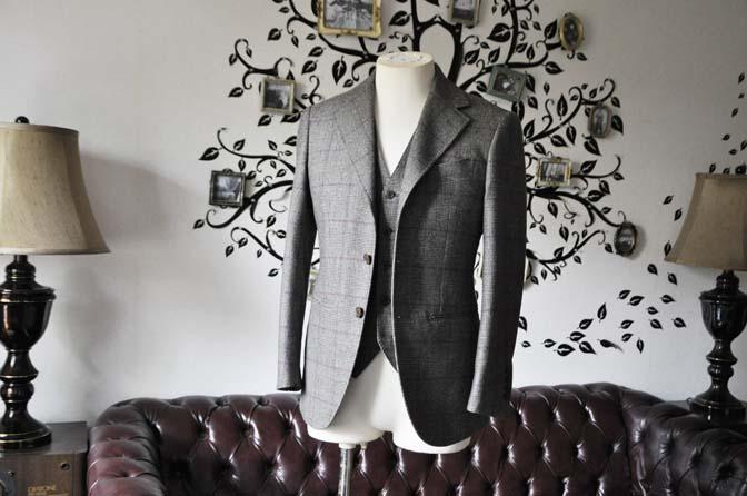 DSC0203-5 私のスーツの紹介-CARLO BARBERA クリームフランネル グレンチェックスリーピース-
