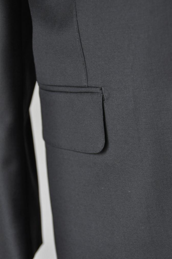 DSC02041 お客様のスーツの紹介-CANONICO ブラックスーツ-