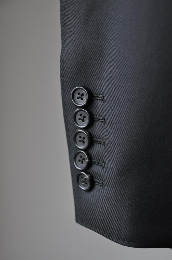 DSC02052 お客様のスーツの紹介-CANONICO ブラックスーツ-