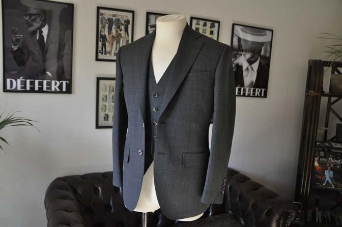 DSC02053 お客様のスーツの紹介- Biellesi グレーバーズアイ-