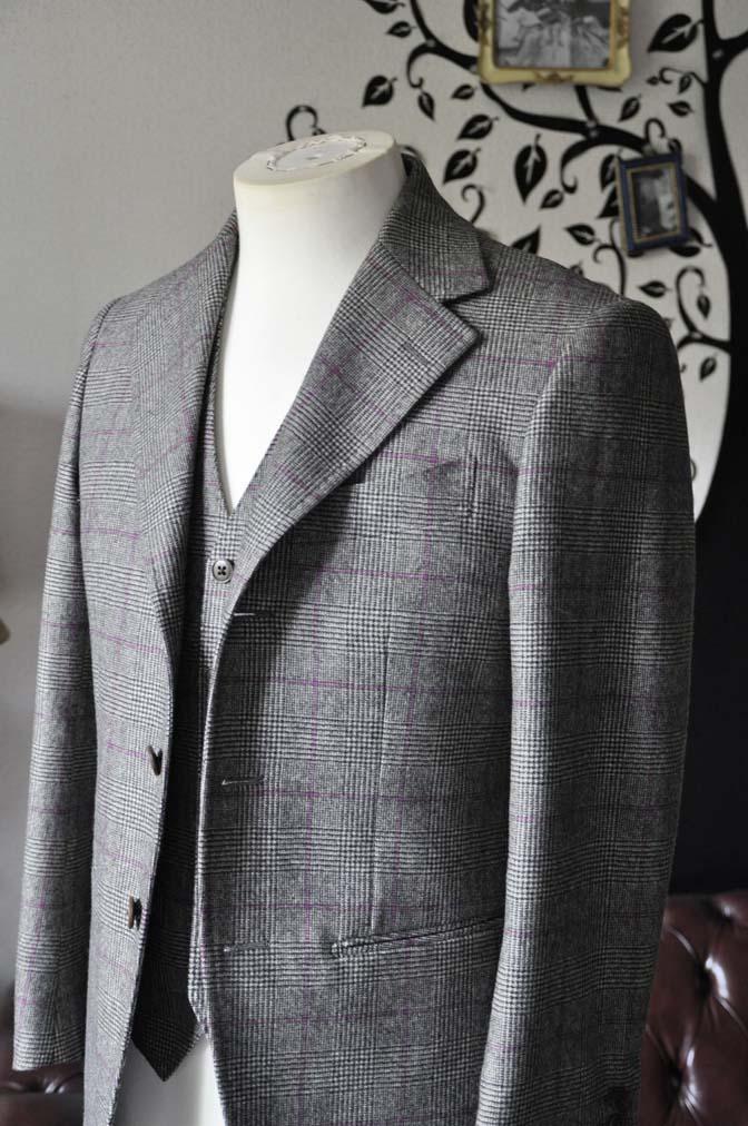 DSC0207-2 私のスーツの紹介-CARLO BARBERA クリームフランネル グレンチェックスリーピース-