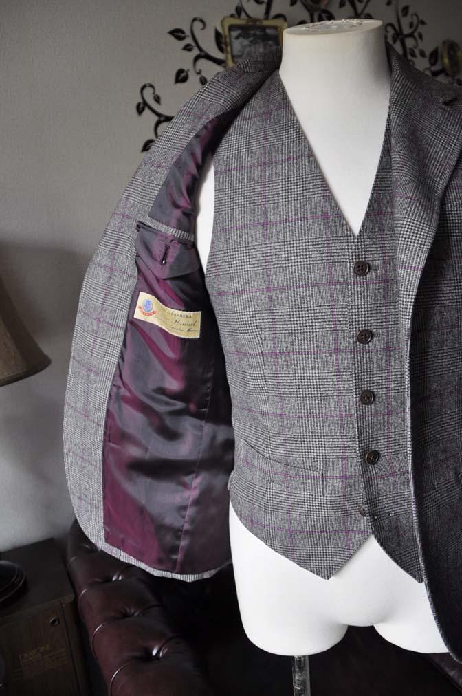 DSC0214-3 私のスーツの紹介-CARLO BARBERA クリームフランネル グレンチェックスリーピース-