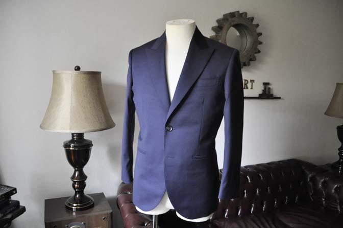 DSC0218-2 お客様のスーツの紹介- Biellesi 無地ネイビースーツ-