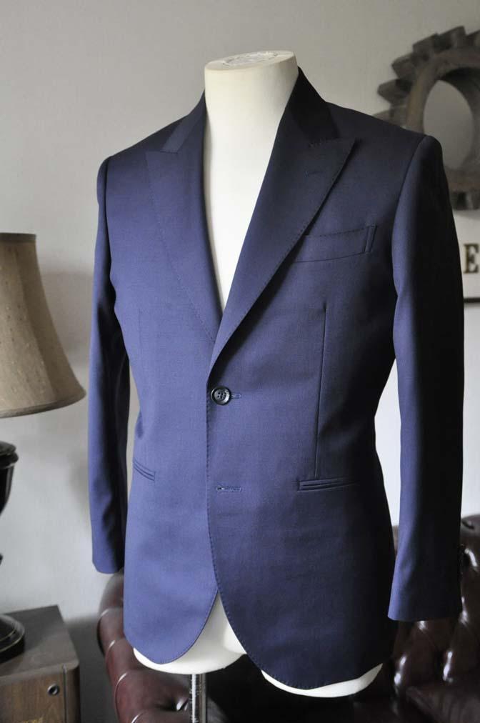 DSC0219-1 お客様のスーツの紹介- Biellesi 無地ネイビースーツ-