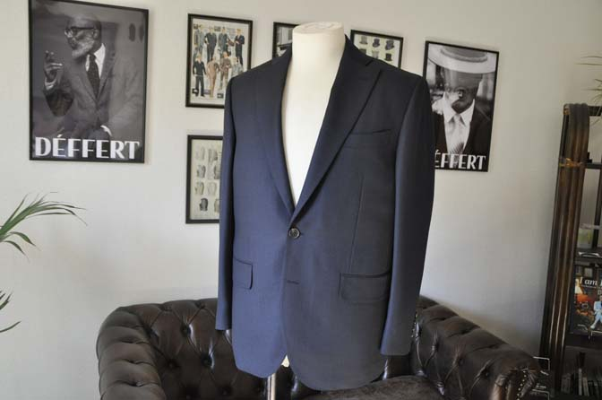 DSC0224-1 お客様のスーツの紹介- Biellesi ネイビーバーズアイ- 名古屋の完全予約制オーダースーツ専門店DEFFERT