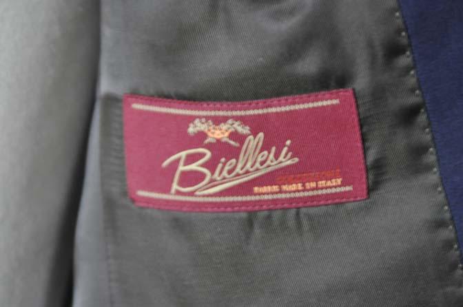 DSC0226-2 お客様のスーツの紹介- Biellesi 無地ネイビースーツ-