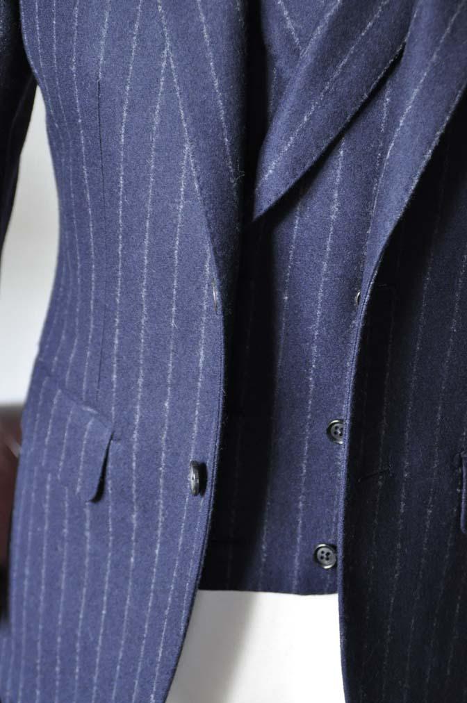DSC0227-4 私のスーツの紹介-FOX BROTHERS フランネル ネイビーストライプ 襟付きダブルジレのスリーピース-