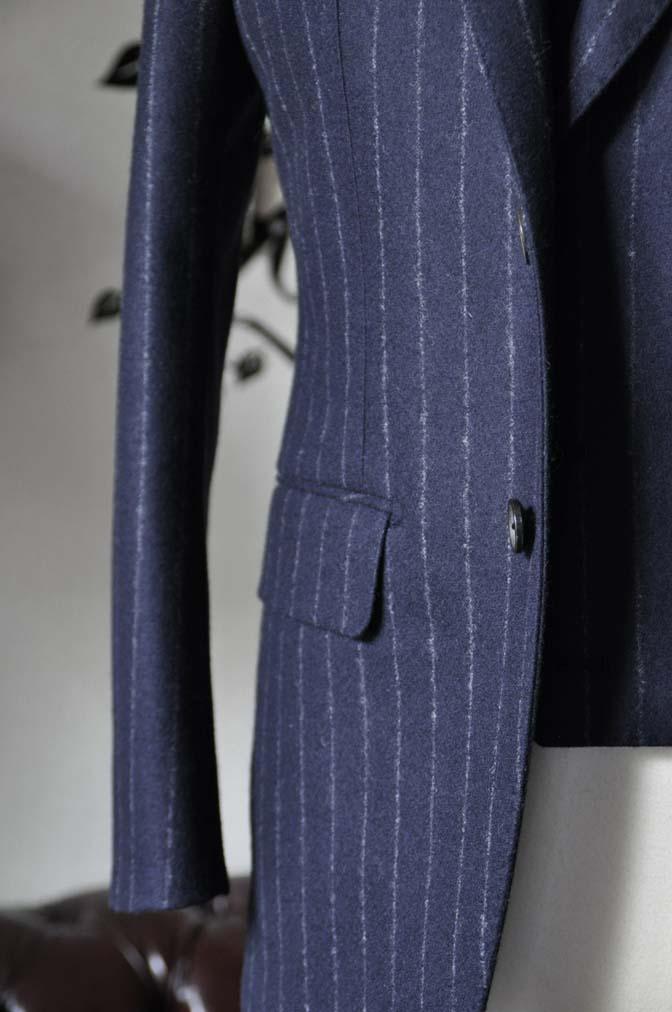 DSC0228-2 私のスーツの紹介-FOX BROTHERS フランネル ネイビーストライプ 襟付きダブルジレのスリーピース-