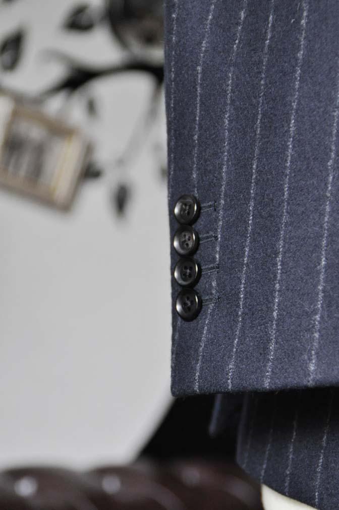 DSC0229-3 私のスーツの紹介-FOX BROTHERS フランネル ネイビーストライプ 襟付きダブルジレのスリーピース-