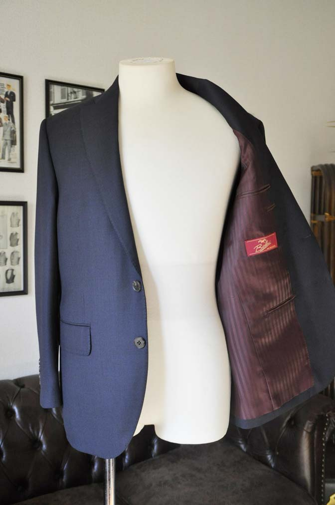 DSC0232-1 お客様のスーツの紹介- Biellesi ネイビーバーズアイ- 名古屋の完全予約制オーダースーツ専門店DEFFERT