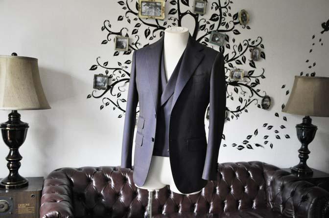 DSC0238-5 私のスーツの紹介-SCABAL TORNADO ネイビーブラウン ストライプ 襟付きダブルジレのスリーピース-